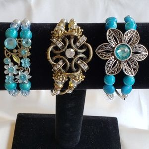 Bracelets with magnetic clasp